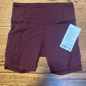 """NWT size 6 cassis fast & free HR short 6"""""""